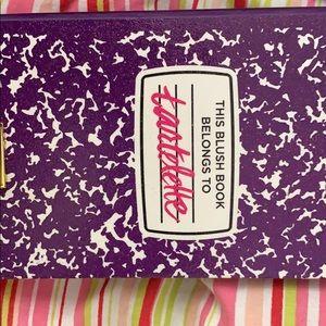 LE tarte blush book